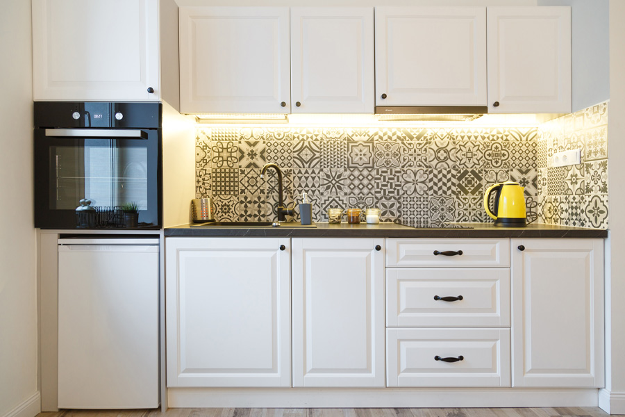 beautiful-home-kitchen-with-white-cabinets-charlotte-nc